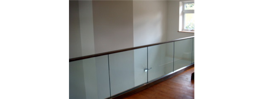 Gallery Landing- structural glass balustrade