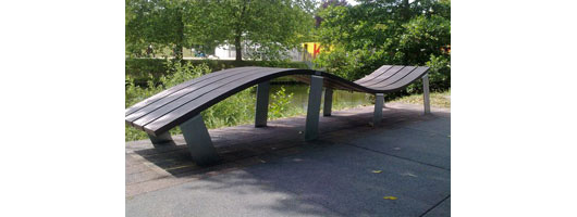 The Wave Bench