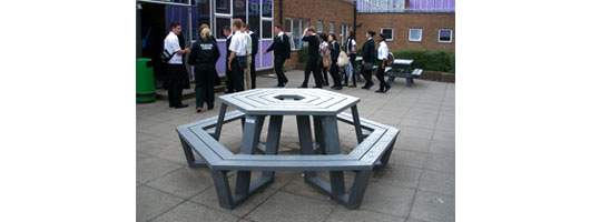 Woodlands Basildon plastic picnic table with benches