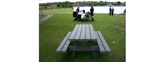 Woodlands Basildon recycled plastic bench