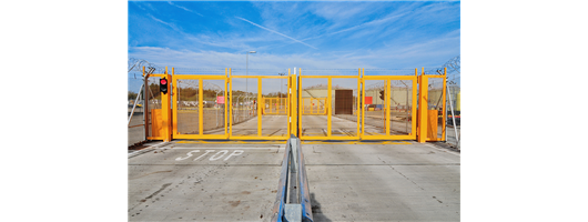 Bi-folding Speed Gates from Frontier Pitts
