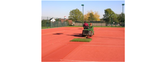 Synthetic Clay Court Cleaning