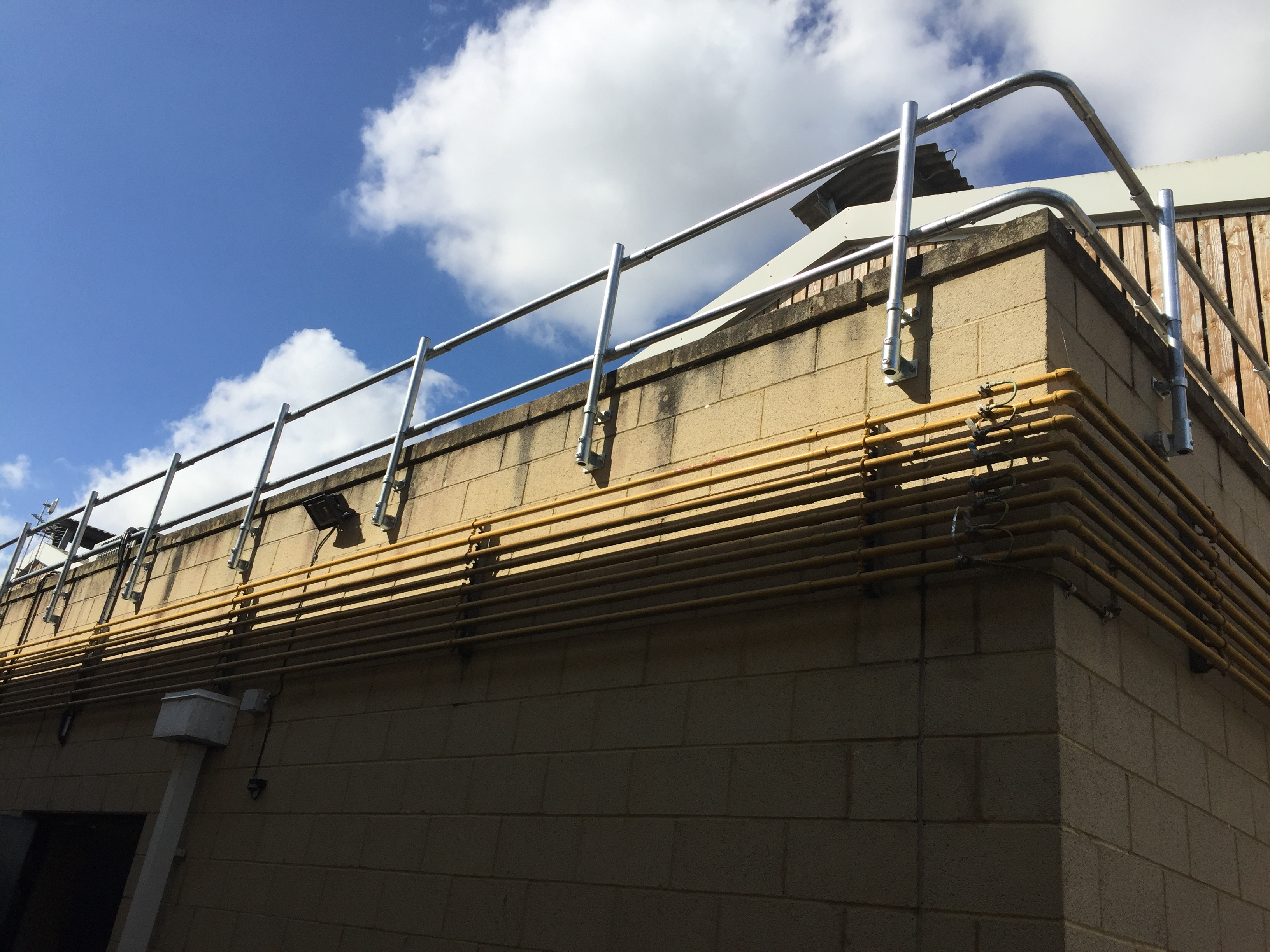 Fixed Parapet Handrails & Guardrails for Fixed Edge Protection