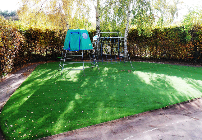 PliFix Synthetic Grass
