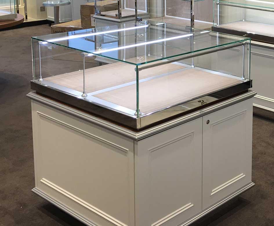 display lighting ltd altrincham cheshire wa14 5dz. Black Bedroom Furniture Sets. Home Design Ideas