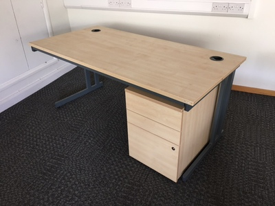 Maple rectangular 1600mm desk