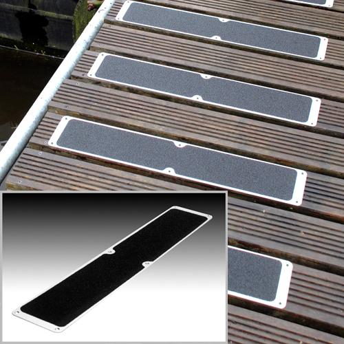 BLACK 115mm x 635mm ALUMINIUM ANTI SLIP STAIR TREAD DECKING PLATES WITH SCREWS