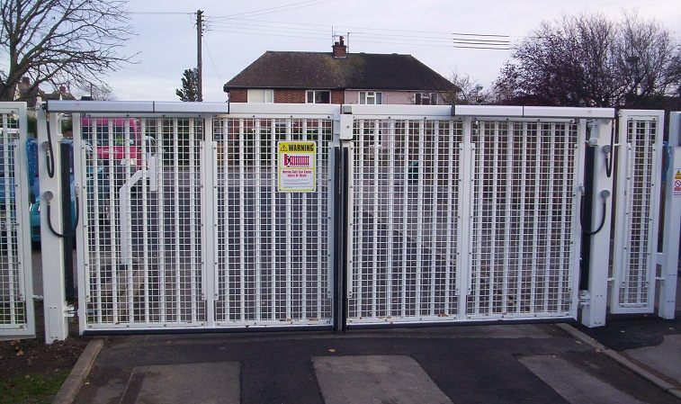 swing-gates Electric Swing Gate (up to 4.5m)